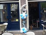 Lovedeco - Bescheiden ballonpilaar met cijfer 6 blauw wit