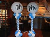 Lovedeco - Luxe ballonpilaar Mr & Mrs blauw wit