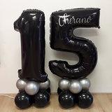 Lovedeco - Mega cijfer ballonpilaar 15 zwart zilver met naam Cherano
