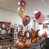 Lovedeco - Bescheiden cijfer ballonboeket 60 jaar chrome mauve en rosé goud