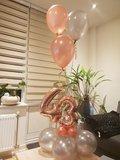 Lovedeco - Bescheiden cijfer ballonboeket rose gold en zilver 43 jaar
