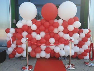 Zwevende ballonnenwand