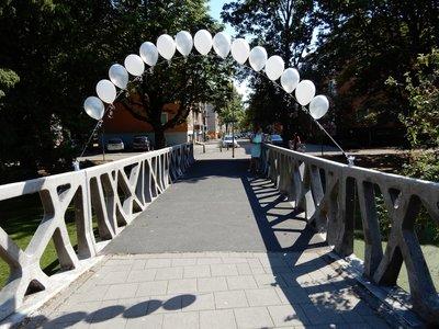 Heliumboog met rechtopstaande ballonnen