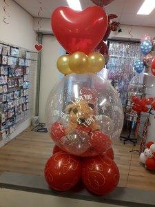 Lovedeco - Love cadeau ballon met hartjes gevuld met bruine beer