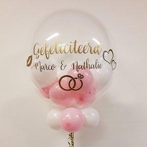 Lovedeco - Bubble ballon met eigen tekst gevuld met ballonnetjes, gefeliciteerd Marco en Nathalie bruiloft, roze wit goud